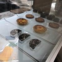 Foto tirada no(a) Amalia's Portuguese Flavours por Robert H. em 8/14/2018