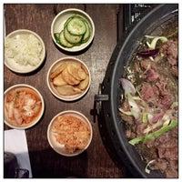 Das Foto wurde bei Juki - Korean BBQ and Soju Bar von JIM M. am 9/16/2017 aufgenommen