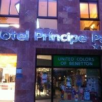 Foto tomada en Hotel Principe Paz por Ashok M. el 4/15/2013