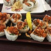 Photo taken at California Bowl Sushi & Teriyaki by Wanlop A. on 5/27/2014