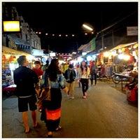 รูปภาพถ่ายที่ ถนนคนเดินปาย โดย Pl@y Ploy P. เมื่อ 12/26/2012