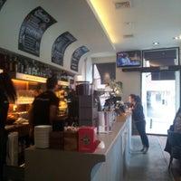 1/13/2013 tarihinde Karel M.ziyaretçi tarafından Vertical Caffé'de çekilen fotoğraf