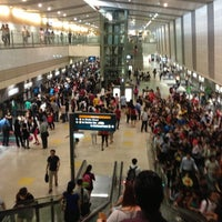 Photo taken at Serangoon MRT Interchange (NE12/CC13) by  Audeli  O. on 4/24/2013