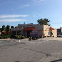 Photo taken at Dunkin' Donuts by Bob F. on 9/19/2013