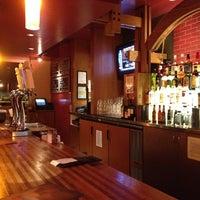 Foto diambil di Rock Bottom Restaurant & Brewery oleh Joe N. pada 1/17/2013