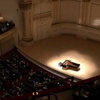 Foto scattata a Stern Auditorium / Perelman Stage at Carnegie Hall da David B. il 4/29/2018