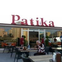 Das Foto wurde bei Patika Cafe & Bistro von Oğuzhan A. am 6/16/2013 aufgenommen