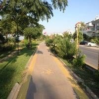 7/22/2013 tarihinde aaMett O.ziyaretçi tarafından Lara Caddesi Yürüyüş Yolu'de çekilen fotoğraf