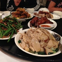 Photo taken at Pacific Seafood BBQ House by Hennley S. on 11/17/2012