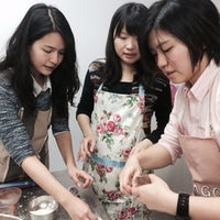 Photo taken at 焙藝遊 Bake It Yourself by Yves C. on 3/8/2014