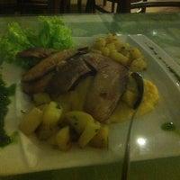 Photo taken at Varanda Restaurante e Pizzaria by Guto L. on 1/15/2013