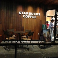 Photo taken at Starbucks by Tatsumi K. on 9/15/2013