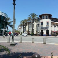 Photo taken at Downtown Huntington Beach Polling Station by Oatler 6. on 5/10/2013