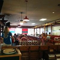 Das Foto wurde bei Godfather's Pizza von Lisa A. am 7/13/2013 aufgenommen