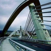 Foto tirada no(a) A Ponte do Milenio por Miguel R. em 1/17/2013