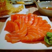 Photo taken at Kuru Kuru Japanese Restaurant by Edwin L. on 2/14/2015