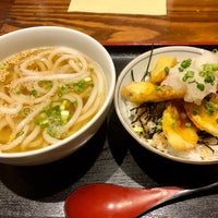 Photo taken at 昆ぶ家 西口店 by さしみ on 8/2/2018
