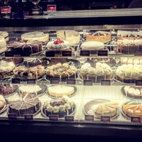 Photo taken at The Cheesecake Factory by Nur 👑 K. on 4/20/2017