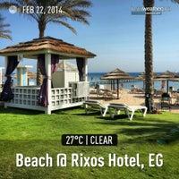 Foto tirada no(a) Beach @ Rixos Hotel por SamiPelin K. em 2/22/2014