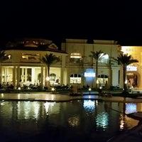 Foto tirada no(a) Rixos Sharm El  Sheikh Zodiac Restaurant por SamiPelin K. em 5/19/2014
