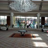 Foto tirada no(a) Lobby Rixos por SamiPelin K. em 2/19/2014