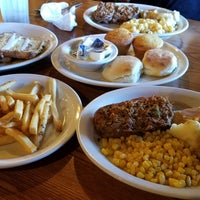 Photo taken at Cracker Barrel Old Country Store by Rod A. on 11/14/2017