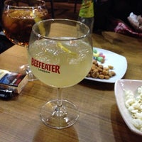 Photo taken at The Frank Tavern Irish Pub by Óscar R. on 4/18/2014