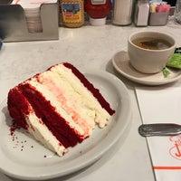 1/7/2018にPatrick M.がJunior's Restaurantで撮った写真
