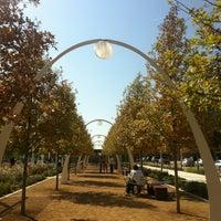 Foto tirada no(a) Klyde Warren Park por Coby C. em 11/4/2012