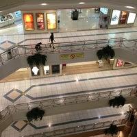 รูปภาพถ่ายที่ Al Rashid Mall โดย Faisal A. เมื่อ 2/11/2013