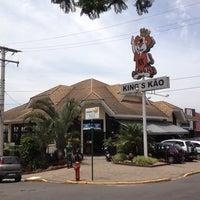 Foto tirada no(a) King's Kão por GledsonSSantos em 12/13/2013