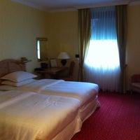 Das Foto wurde bei Sheraton Munich Airport Hotel von Irina P. am 6/1/2013 aufgenommen