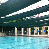 Foto tomada en RBSC Swimming Pool  por Ni-on S. el 10/27/2013