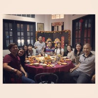 Photo taken at Hua Yu Wee Restaurant by Myk M. on 5/4/2017