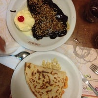Photo taken at Crepe au Chocolat by Dax F. on 3/21/2013