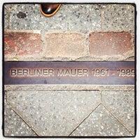 Photo prise au Baudenkmal Berliner Mauer   Berlin Wall Monument par Ken K. le6/13/2013