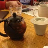 Foto diambil di Looking Glass Cafe & Boutique oleh Anne G. pada 1/17/2013