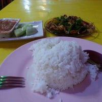 Photo taken at Restoran Waneeda Tomyam by Foon L. on 2/3/2013
