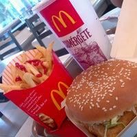 Foto tomada en McDonald's por Jose Luis L. el 4/12/2013