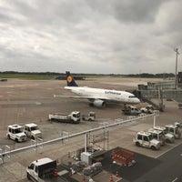 Foto tirada no(a) Lufthansa Business Lounge por Stefanie C. em 10/13/2017