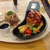 Photo taken at Sizzler by Bowling L. on 6/1/2013