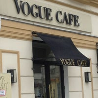 Снимок сделан в Vogue Café пользователем Kristina I. 3/30/2013