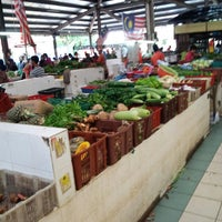 Photo taken at Pasar Seksyen 16 by Anakcemut on 4/7/2013