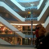 Das Foto wurde bei EASTGATE von Sunny W. am 1/11/2013 aufgenommen