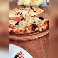 Photo taken at Pizza 7 by Hediye Y. on 9/30/2017