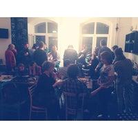 Снимок сделан в Четыре комнаты пользователем Viktoriia S. 12/13/2013
