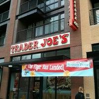 3/21/2014 tarihinde Gary G.ziyaretçi tarafından Trader Joe's'de çekilen fotoğraf
