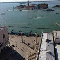 Photo taken at VIP Venice by Дмитрий П. on 8/12/2013