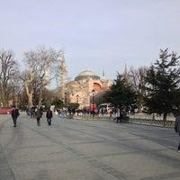 Das Foto wurde bei Ayasofya Müzesi Padişah Türbeleri von Timur M. am 2/2/2013 aufgenommen
