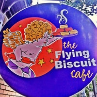 Foto tomada en The Flying Biscuit Cafe  por Brad el 9/29/2012